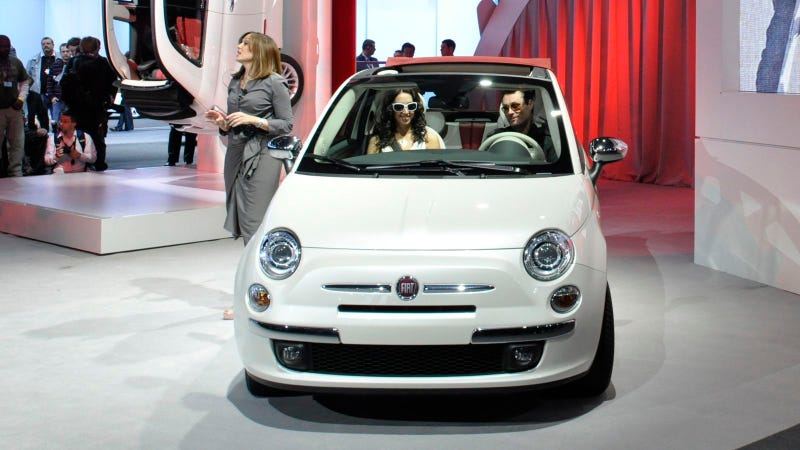 The Fiat 500C drop-top isn't apologizing to the streets