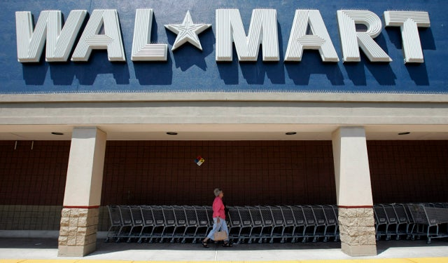 Texas Woman Sues Walmart for Ripping Up Her Real $100 Bills Without Checking If They're Fake