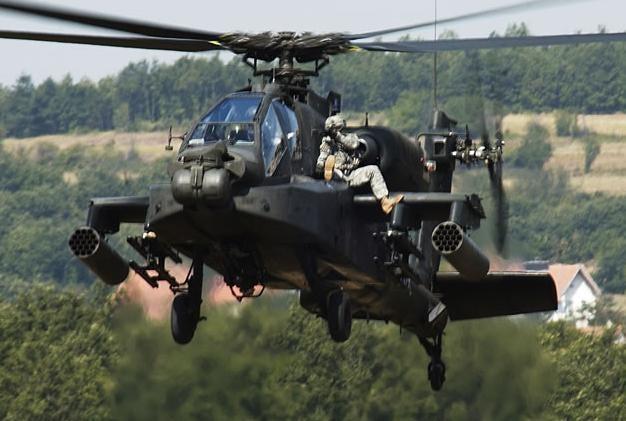 Riding Shotgun on an Apache Gunship