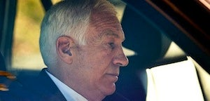 "Sandusky's Lawyer Says Client Is ""Distraught"" Over Paterno's Retirement"