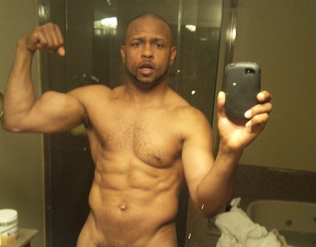 Roy Jones Jr.'s Sexting Technique Is Very On-Brand [NSFW]