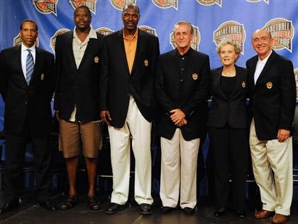 Dickie V Steals the Show at the Basketball HOF Inductions