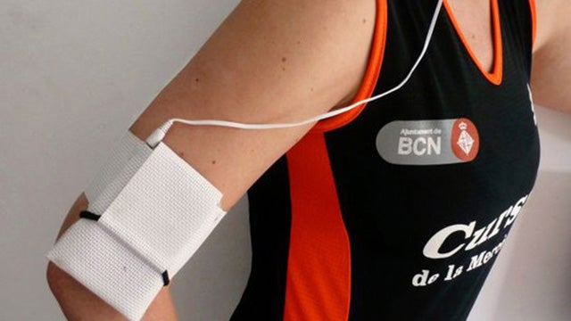 Transform a Placemat into a Smartphone Armband