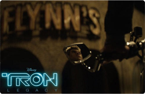 New Tron Legacy Still Shows The Fall of Kevin Flynn