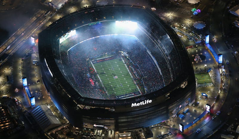 Super Bowl Fans Spent A Record $94.60 Per Person On Food and Drinks