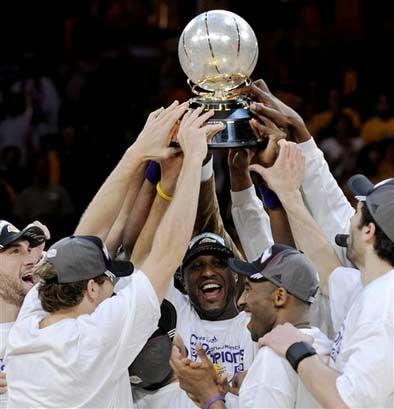 Lakers Worship Shiny Ball, Advance To Finals