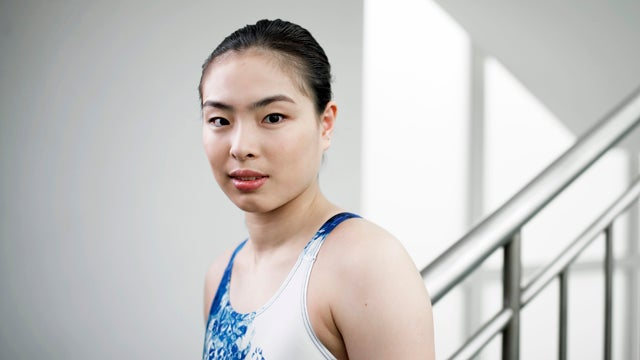 Chinese Diver's Family Waits Until She Wins Gold to Reveal Her Loved Ones Are All Dying or Dead