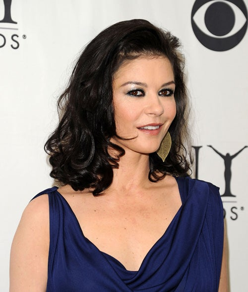 "Catherine Zeta-Jones Not ""Aesthetically Beautiful""; Charlotte Lewis Talks About What Polanski Did"