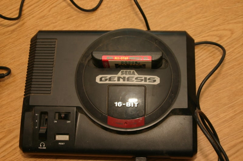 Giz Readers Love Rocking the Old Tech in Our Retro-Fantastic Gallery