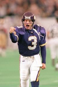 Jeff George Insists He Could Still Play For The Vikings; Vike's Writer Shows Him Reality