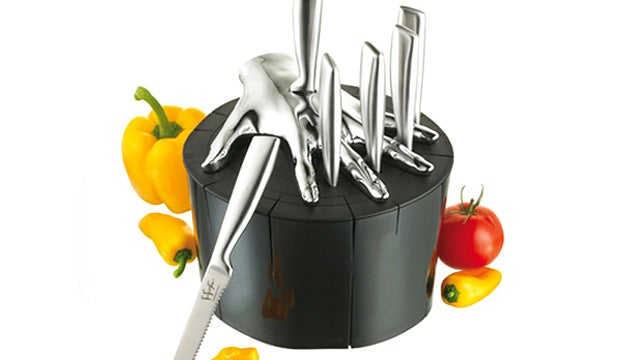 Stylish Knife Block Lets You Safely Play Five Finger Fillet