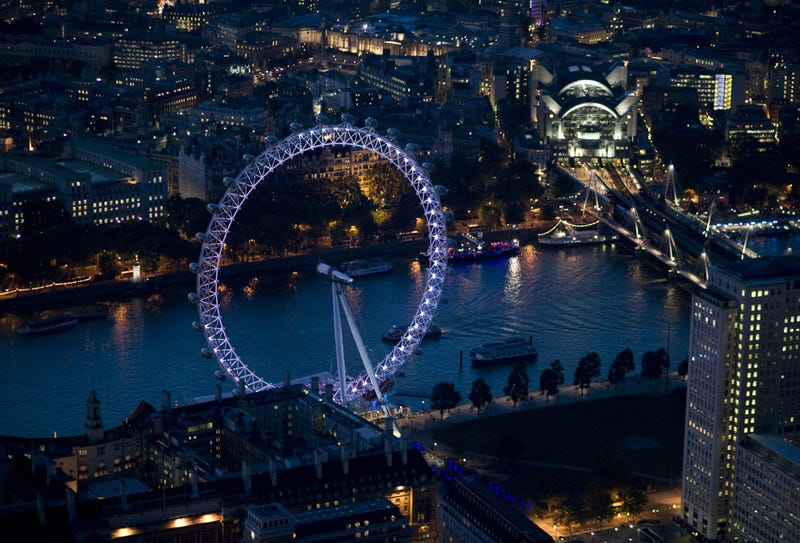 Spectacular Night Photography of London Causes Awe, Vertigo