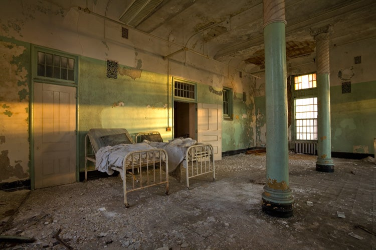 The creepy world of abandoned asylums for Pennsylvania hotel new york haunted