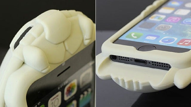 Giant Crustaceans Make Fantastic iPhone Covers
