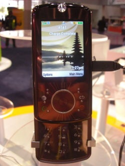 Up Close and Personal With the AT&T Motorola Z9