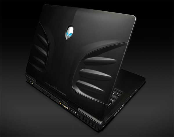 Alienware Sticks Both SSD and HDD in One Freakish Laptop