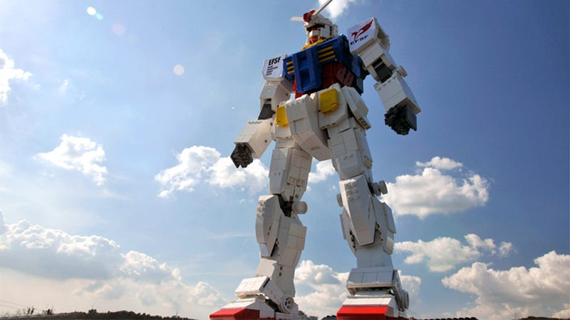 Awesome Lego Gundam Must Become an Official Set NOW
