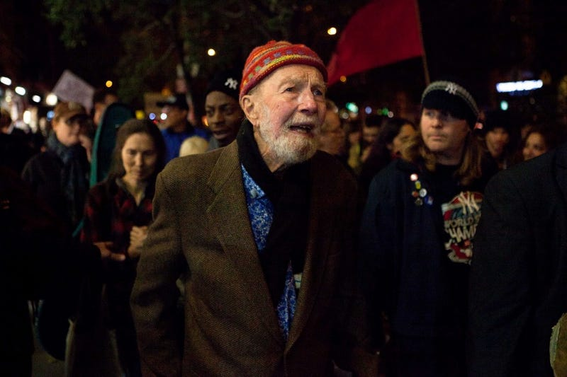 17 Images from Pete Seeger's Great American Life