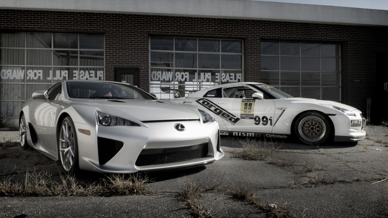 Your ridiculously cool Nissan GT-R and Lexus LFA wallpaper is here