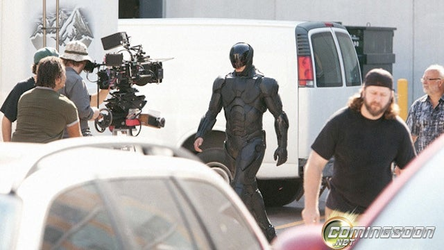 First photos of RoboCop's suit reveal Batman-like body armor