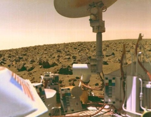 Did we discover signs of life on Mars...in 1976?
