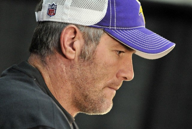 Massage Therapists Sue Brett Favre For Sexting