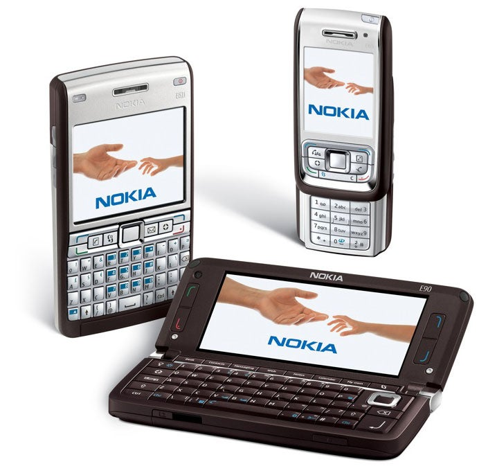 Dual-Screened Nokia E90 Communicator Sees the Light of Day