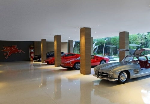 Architect Designs Glass Palace For Car Collection