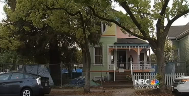 Neighborhood Outraged at Couple Who Painted Their Home Like Up Home