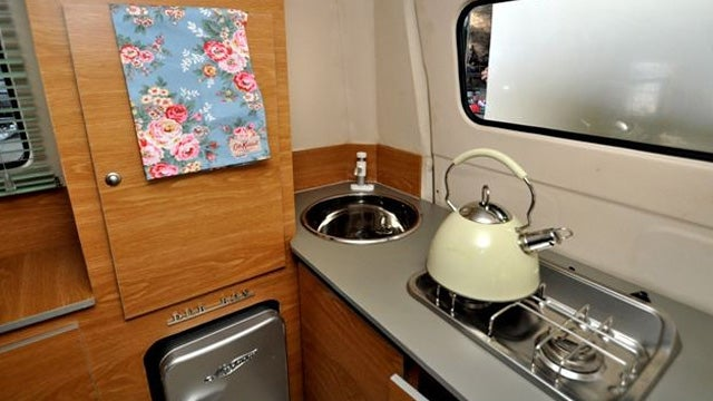 A Retro-Styled Trailer To Complement Your VW Camper Van