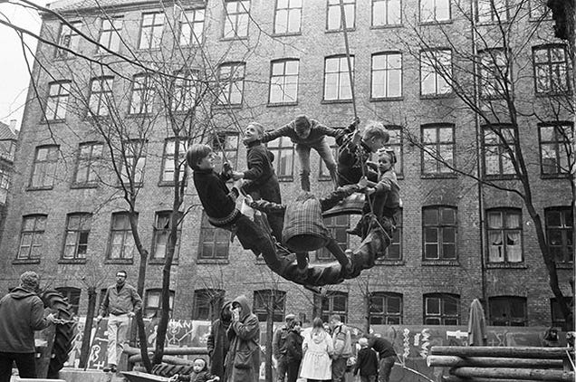9 Images of How Kids Played Before Modern Playgrounds Existed