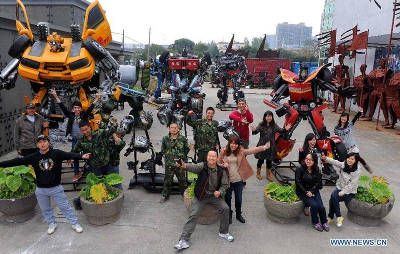 "Lunatic Builds Transformers ""Theme Park"""