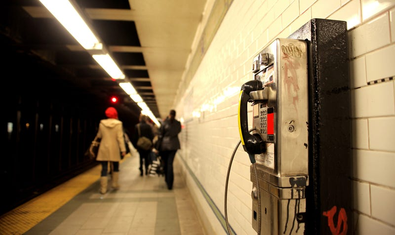 How to Use Your Cell Phone on the Subway