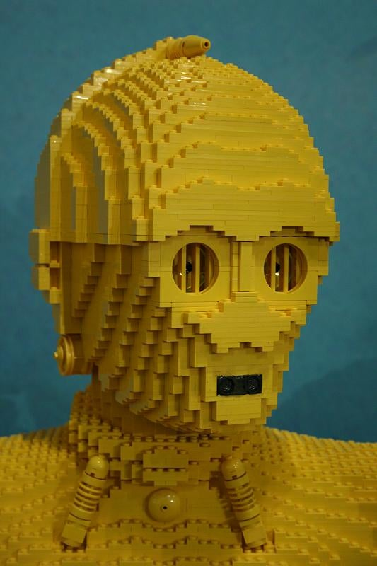 C3PO, Indiana Jones, Clone Wars Trooper Life-Size Lego Models Are Awesomely Huge