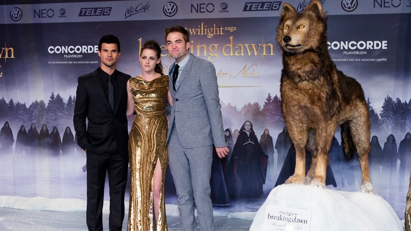 Breaking Dawn Part 2 Plundered the American Moviegoer This Weekend