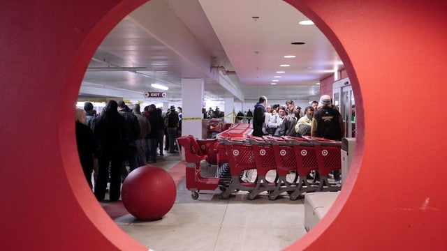 Super Shoppers Wage War Against Black Friday