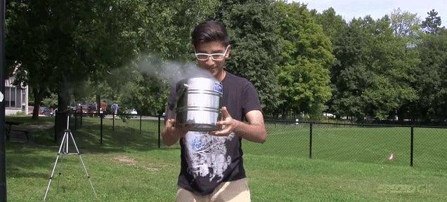 Mad chemist uses liquid nitrogen instead of ice water in ALS challenge
