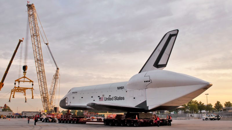 Space Shuttle Crane Photos: Web Exclusive Gallery