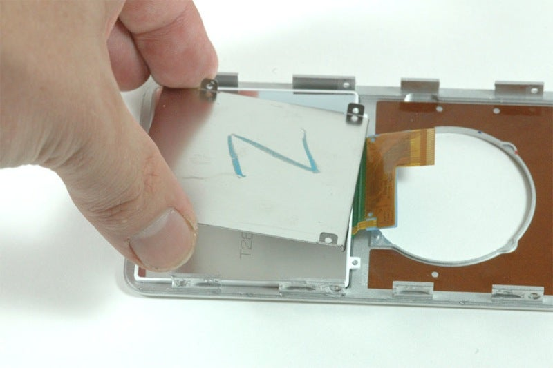Autopsies of the New Nano and iPod Classic Show Glue, Plates