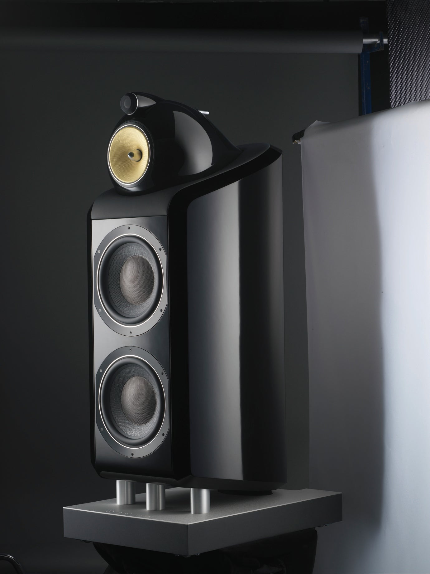 Bowers  U0026 Wilkins 800 Series Speakers Look Great And Sound    Expensive
