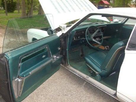 Lana's Cruiser 1966 Buick Riviera for $10,500!