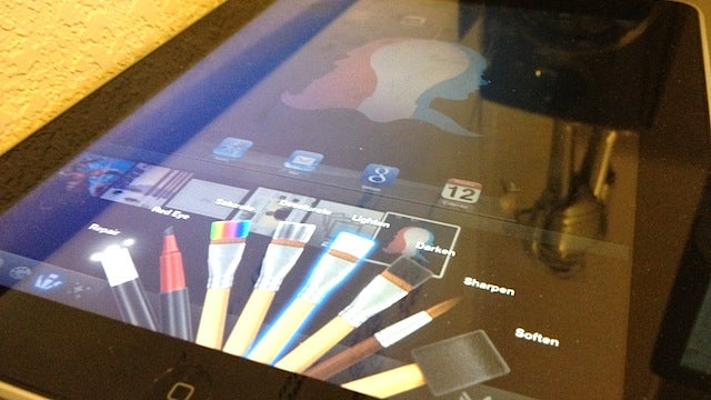 Force the New iPhoto App Onto a First Generation iPad