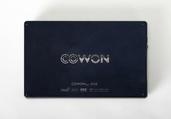 Cowon Q5W Media Player Ships, Wise to Most Codecs