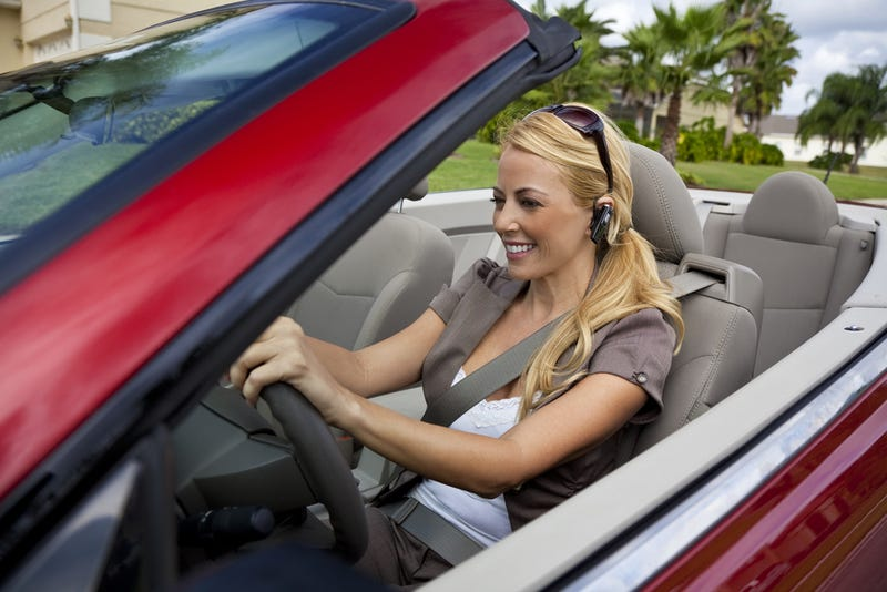 US City Completely Bans All Cell Phone Use While Driving (Yes, That Includes Bluetooth)