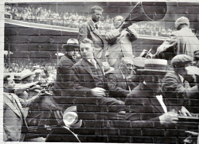 Wrigley Field Mural Depicts Scene From Comiskey Park