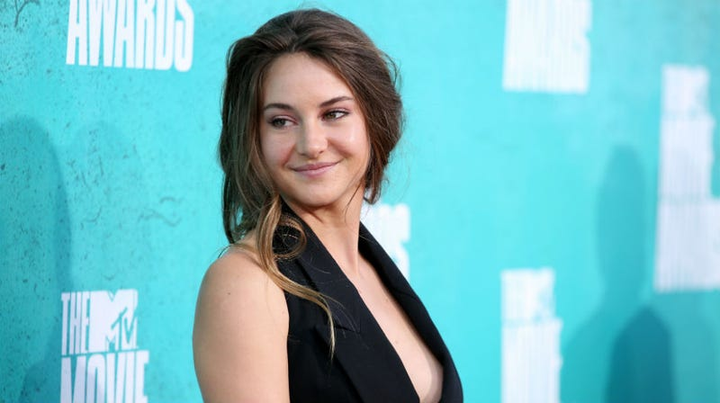 Divergent Star Shailene Woodley Isn't Looking for a Katniss Catfight