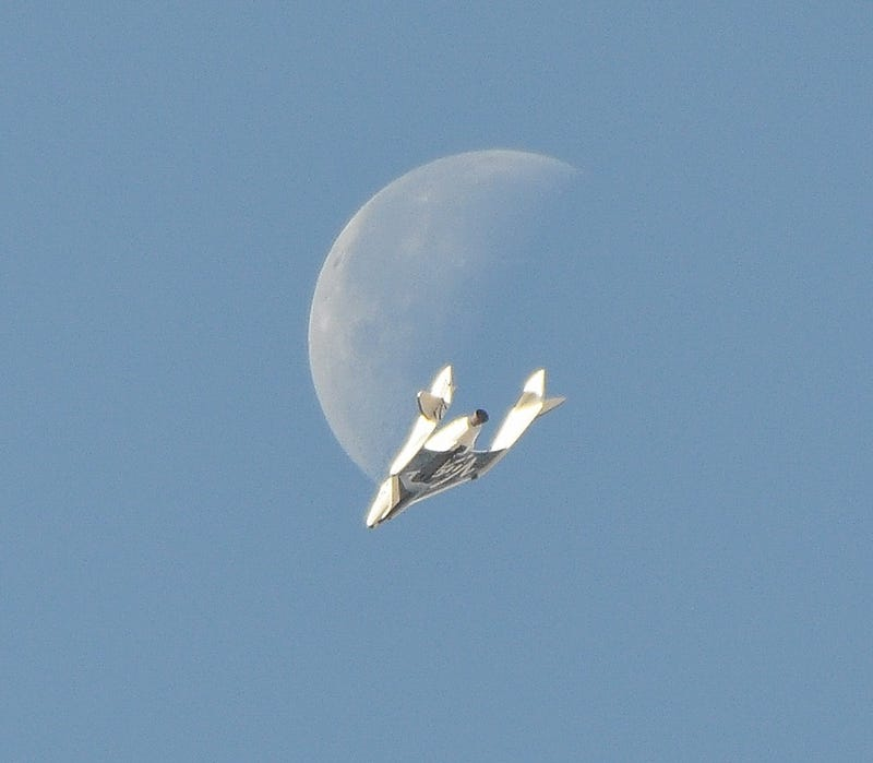 This unbelievable image of Virgin Galactic's SpaceShipTwo is 100% real