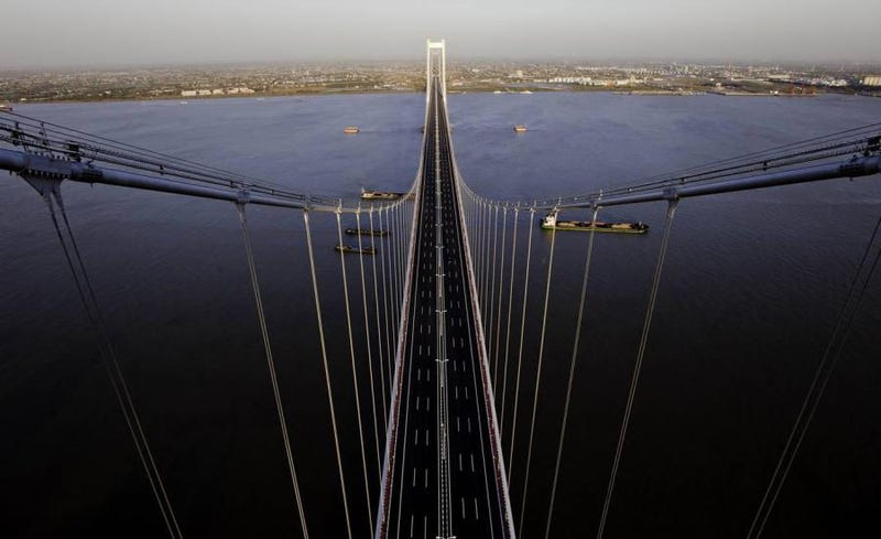 China's Suspension Giant Is 3,500 Feet Longer Than the Brooklyn Bridge