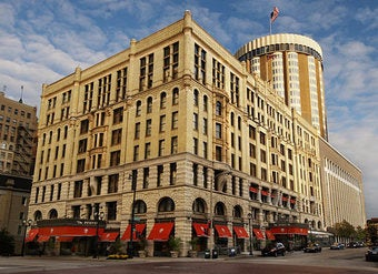"""No Sign Of Any Spirits"" In This Milwaukee Hotel"