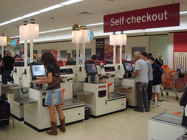 How Supermarket Self-Checkouts Will Soon Tell Apples From Other Apples